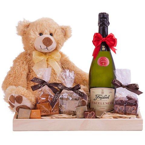 'Etreinte d'ourson' : chocolats, ours en peluche et mousseux