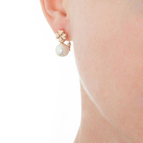 Orecchini fiori in perle