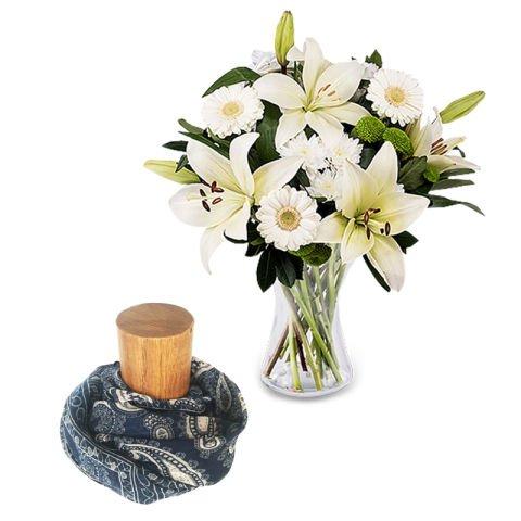 Elle est unique: Roses blanches et foulard