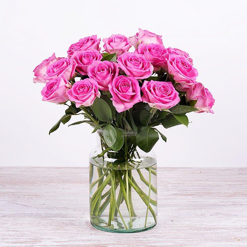 Algodón de azúcar - 12 rosas rosas